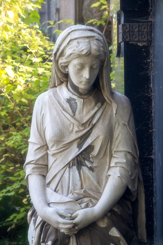 Leipzig Skulptur auf dem Friedhof Plagwitz